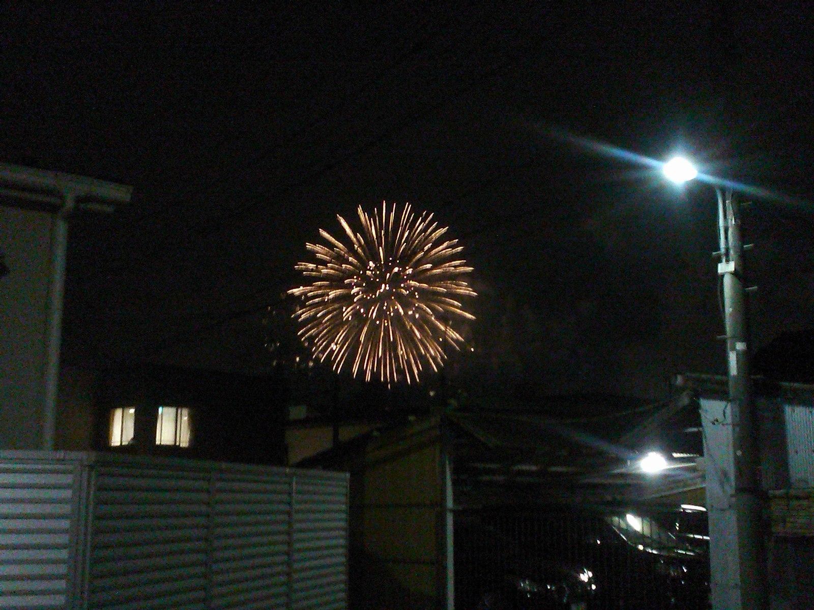自宅前から見る花火